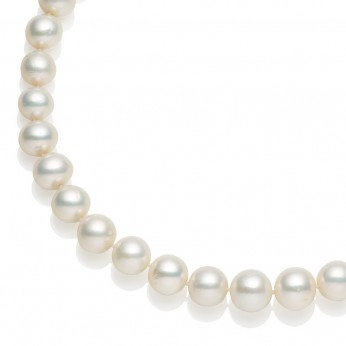 High Lustre Graduated Freshwater Pearls